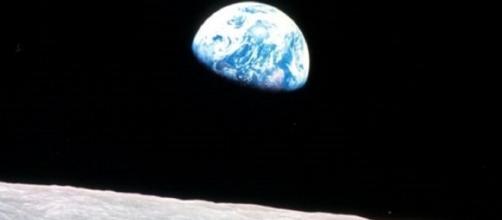 Apollo 8 Earthrise (courtesy NASA)