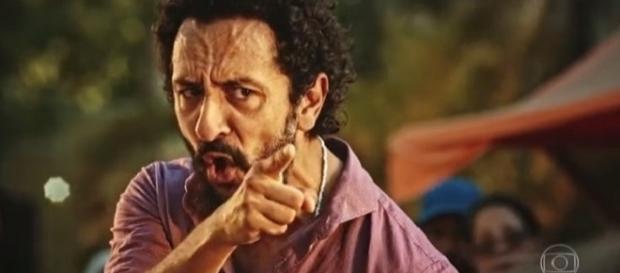 Bento é preso ao confrontar Carlos Eduardo.