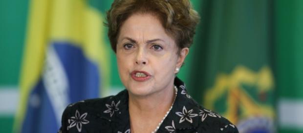 Dilma diz que não vai desistir, mas sim lutar até ao fim