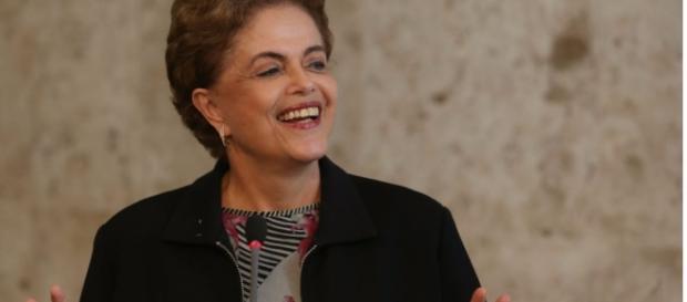 Dilma resiste ao processo de impeachment