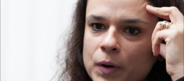Janaína Paschoal, a advogada, poderá questionar Dilma Rousseff