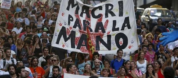 Macri amenaza ámpliar despidos a favor del empresariado