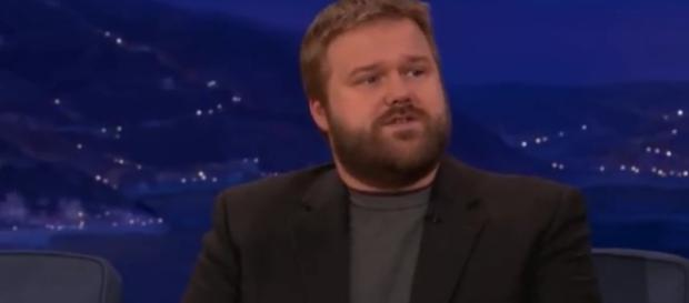 Robert Kirkman says 'The Walking Dead' fans are distracted by the cliffhanger - Photo via YouTube