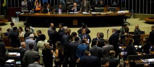 Câmara adia, pela 3ª vez, conclusão de votação da dívida dos estados