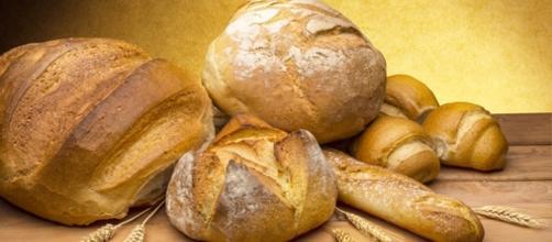 L'introduzione della tessera del pane a Solarino suscita polemiche.