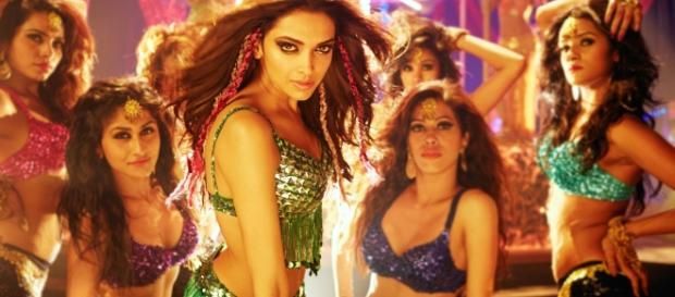 Bollywood's hottest item girls - Source: hdqwalls.com/deepika-padukone-item-song-wallpaper