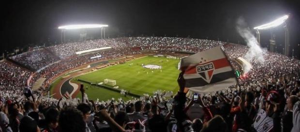 Jogando em casa, o Tricolor quer abrir uma boa vantagem para a partida de volta, no Rio Grande do Sul