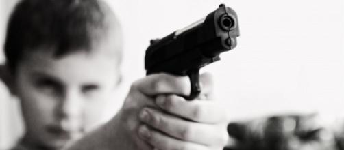 Boy shoots abusive father at point blank range. (Public Domain Pictures)