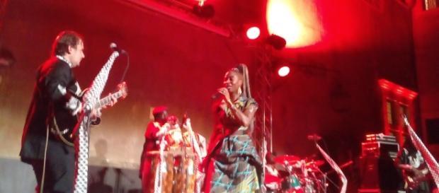 La cantante ivoriana Dobet Gnahoré
