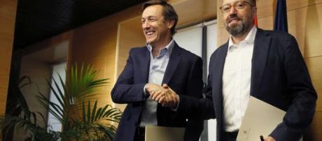 PP y Ciudadanos firman el pacto anticorrupción y comienzan las ... - rtve.es
