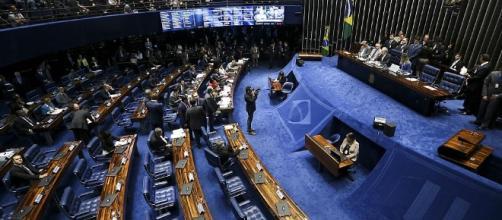 Senado dá andamento ao julgamento de impeachment contra a presidente Dilma Rousseff