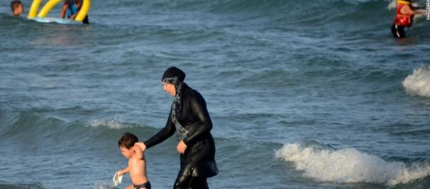 French burkini ban: Businessman pays women's fines - CNN.com - cnn.com