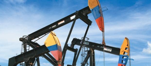 Las importaciones de petroleo se desploman