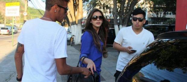 Neymar e Bruna se encontram a sós