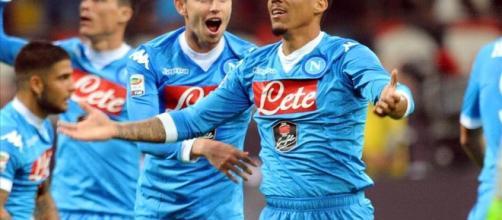 Il Napoli festeggia la propria vittoria
