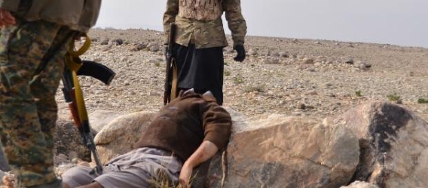 Bomba-pułapka w ciele ściętego studenta (fot. khaama.com)