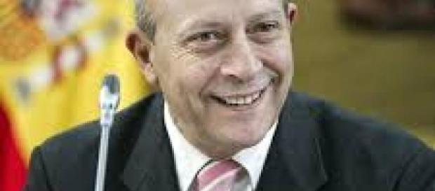 El hombre que aparece en la foto es José Ignacio Wert, ex-ministro de Educación en España