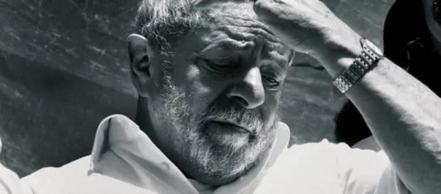 Lula é o chefe da quadrilha que roubou o Brasil