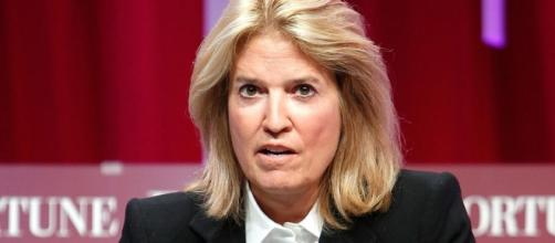 Greta Van Susteren defends Fox News boss Roger Ailes and today she defends defending him! Photo: Blasting News Library - cbsnews.com