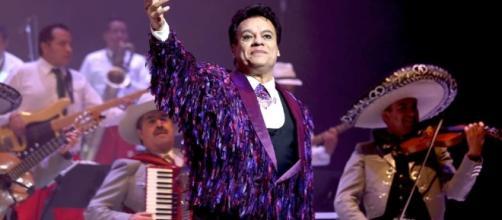 Juan Gabriel ha sido versionado por bandas como Los Planetas, Jaguares, Maná y Maldita Vecindad.