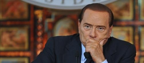 La bufala corre sul web: 'Silvio Berlusconi si è aggravato'.