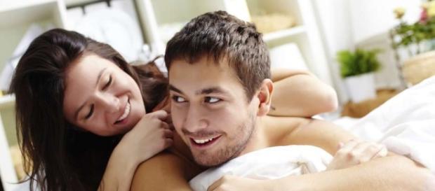 Saiba o que homens e mulheres pensam ao verem o parceiro nu