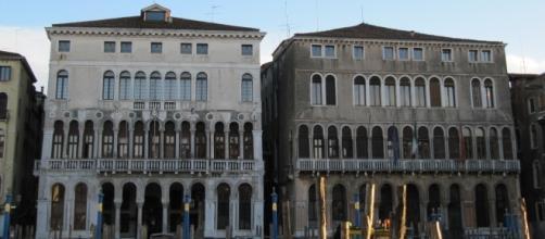 Ca' Loredan e Ca' Farsetti, i palazzi del XIII Secolo in cui ha sede il Comune di Venezia