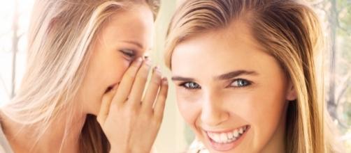 Cada mulher repassa em média 3 segredos por semana