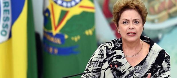 Dilma vive dia decisivo nesta segunda-feira
