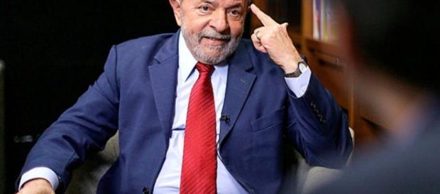 Lula dá entrevista para canal estrangeiro