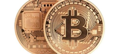 Bitcoin, la moneta virtuale peer-to-peer.