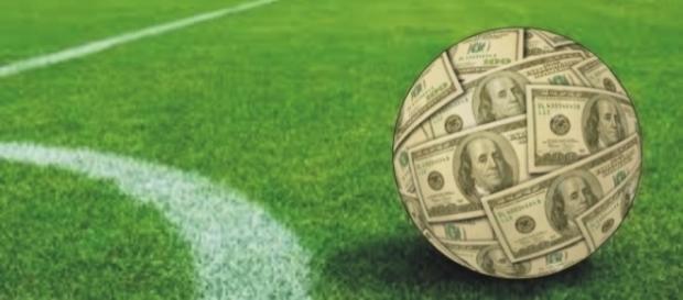 Palmeirense assinou vínculo por 4 temporadas e meia e Manchester City irá pagar cerca de R$ 100 milhões pelo jogador