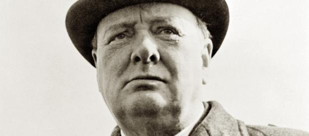 X-Files di Winston Churchill: avvistamento Top secret di UFO rivelato
