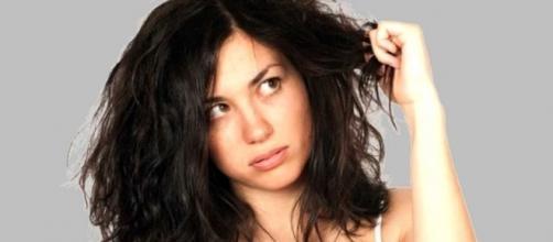 Dicas para acabar com os frizz e arrepiados do cabelo