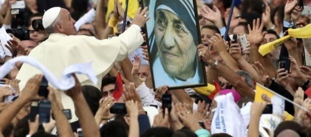 Atual papa conheceu pessoalmente Madre Teresa de Calcutá