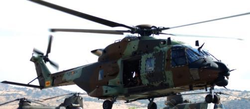 """El nuevo NH-90 """"Caimán"""" gana aire al despegue."""
