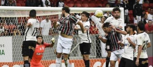 Fluminense x Corinthians: assista ao jogo ao vivo na TV e online