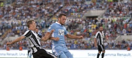 Lichtsteiner in azione con la Juventus.