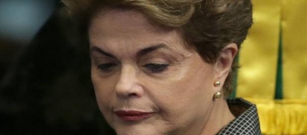 Afastada da presidência, Dilma se considera vítima de segundo golpe e promete continuar lutando pelo Brasil (Foto: Infoglobo)