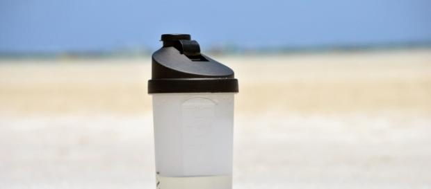 Wiele osób nie rozstaje się ze swym podręcznym kanisterkiem na wodę