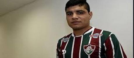 Claudio Auino está regularizado e pode estrear pelo Fluminense no domingo (Foto: Arquivo)