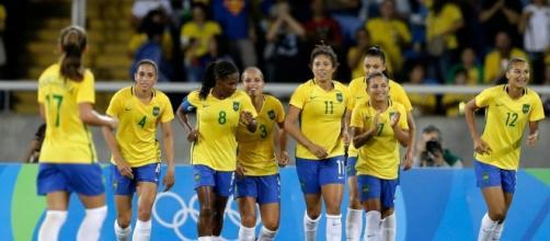 Brasil goleó a China en su estreno en el torneo olímpico de fútbol femenino en Río de Janeiro