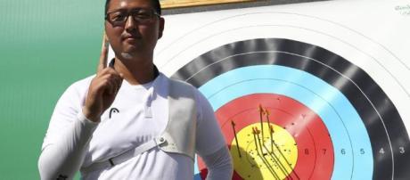 El surcoreano Woojin Kim logró en Río de Janeiro el récord mundial y olímpico en tiro con arco