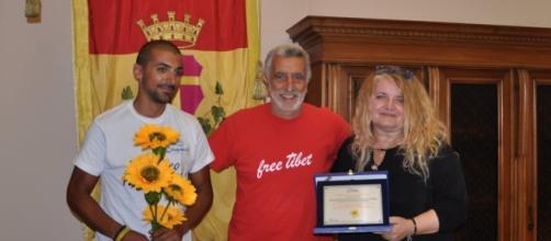 Da sinistra Andrea Enzi Raffaelli, Renato Accorinti e Antonella Penati.