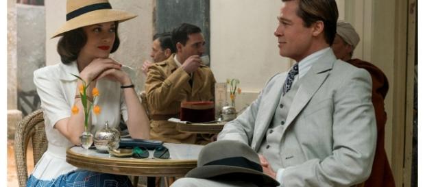 Après divers clichés pris par la presse sur les tournages, Paramount diffuse la première photo officielle du film Alliés