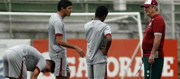 Levir segue preparando o Flu para encarar o Inter no domingo (Foto: Arquivo)