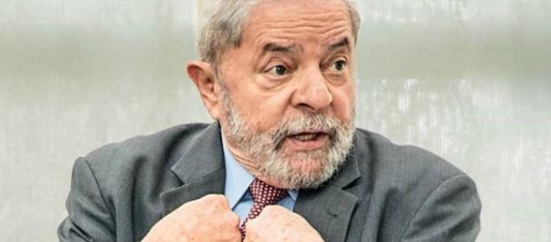 MPF diz que Lula atuou em esquema de desvios de verba da Petrobrás