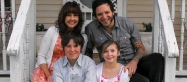 SCRISOAREA care LE-A FRÂNT INIMA unor PĂRINŢI distruși de PIERDEREA fiicei lor de 12 ani