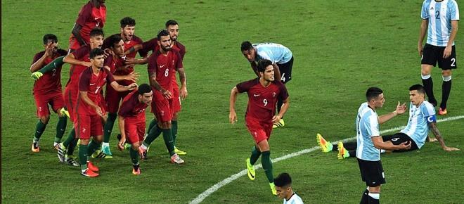 Argentina debutó con el pie izquierdo en Río de Janeiro