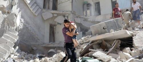 Siria, appello Onu per una tregua umanitaria: ad Aleppo due milioni di persone in pericolo di vita.